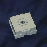 sr6p-m08g  8-pin socket for panel mount